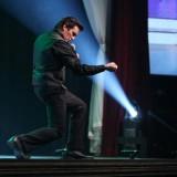 Master Showmanship!