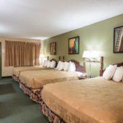 Triple Queen Room
