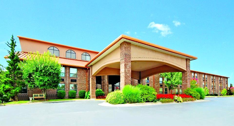 Comfort Inn Thousand Hills Branson Mo Call 1 800
