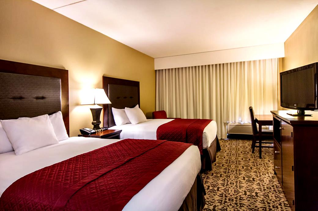 Grand Oaks Hotel Package