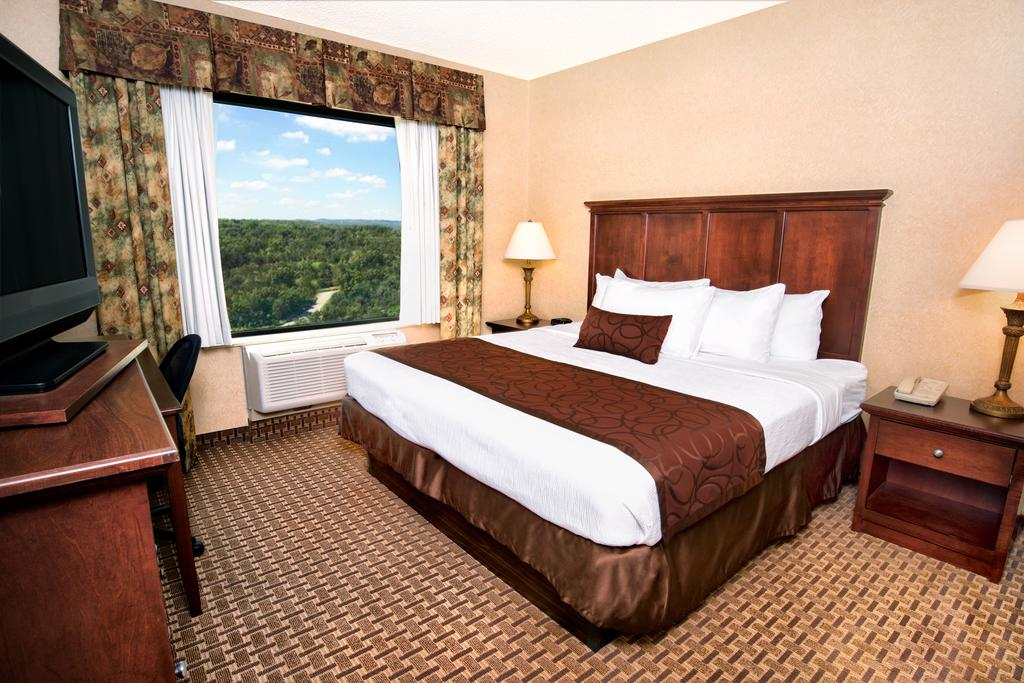 Grand Plaza Branson Package