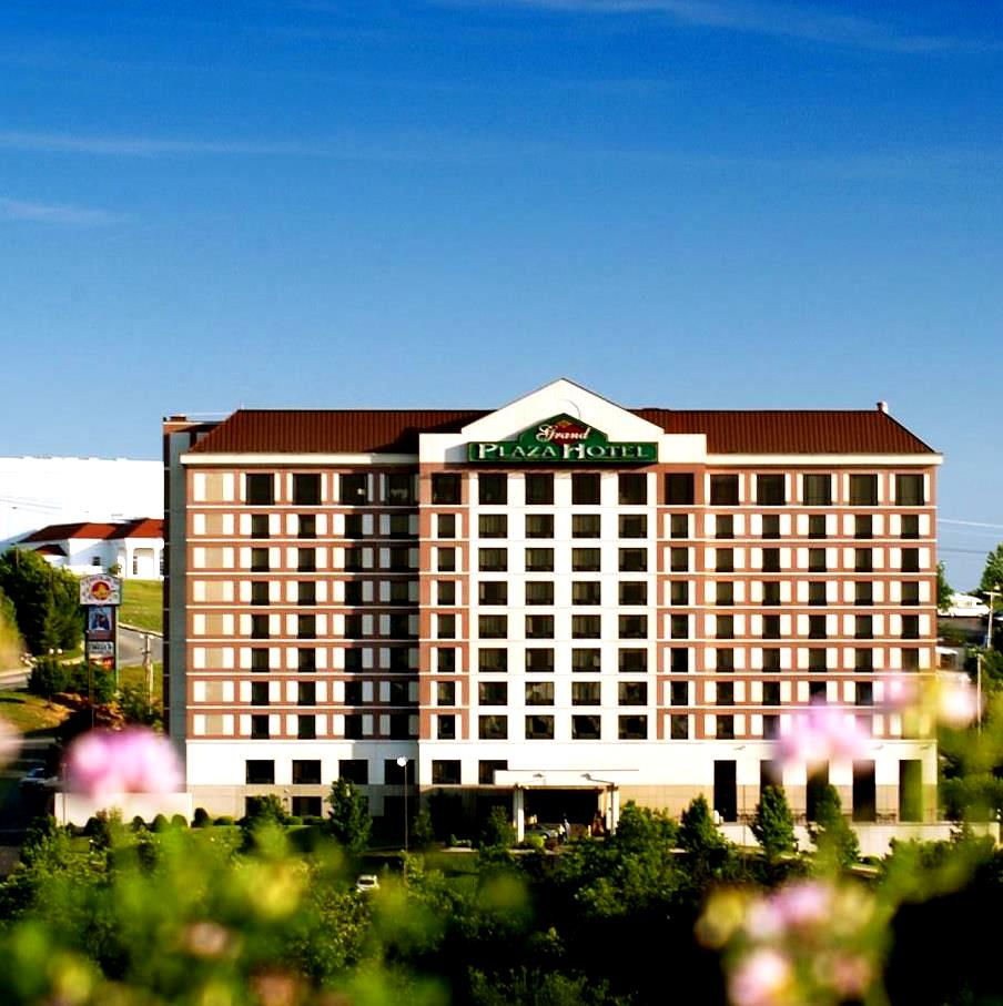 Grand Plaza Hotel In Branson Mo Branson Travel Office