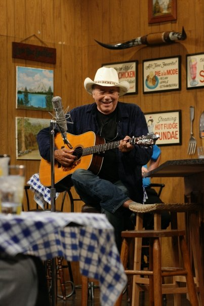 Larry's Country Diner LIVE! - 2018 Tickets - Branson ...