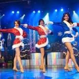 Beautiful Costumes & Dancing!