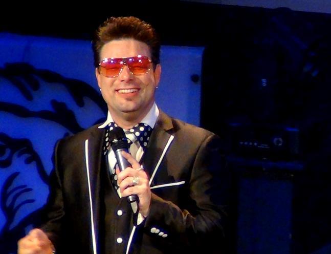 Mike Walker Singer