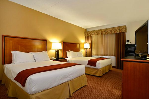 Holiday Inn Express Branson Promo Package