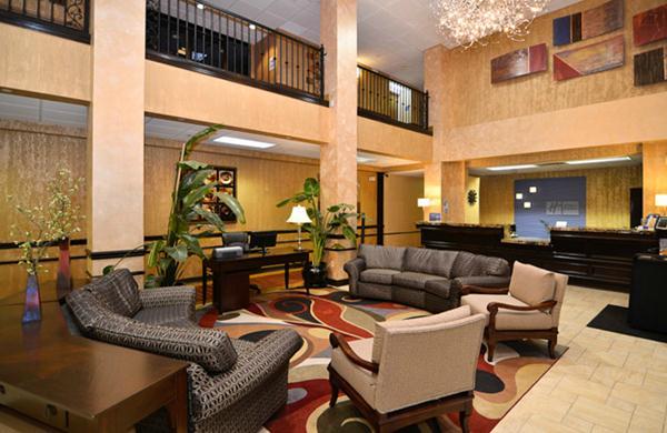 Holiday Inn Express Green Mountain Drive Branson