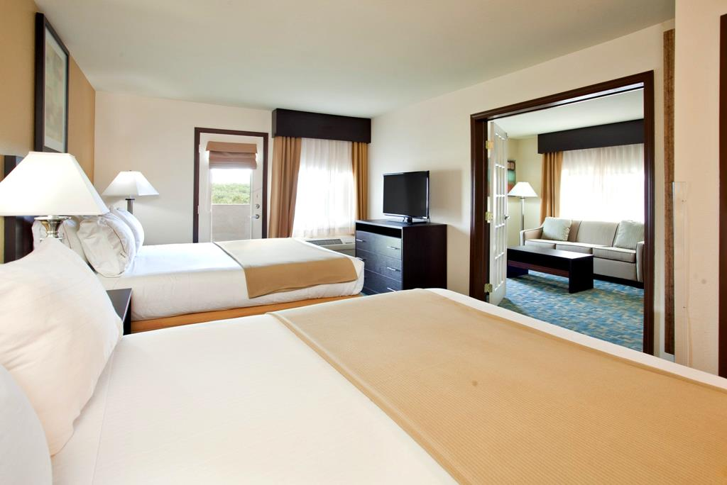 Holiday Inn Express Amp Suites Branson Call 1 800 504