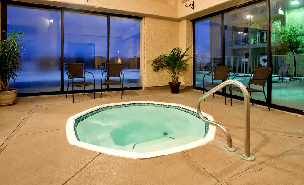 Holiday Inn Express Amp Suites Branson Mo 1 800 504