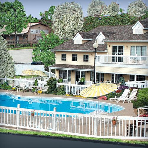 Honeysuckle Inn Branson Package