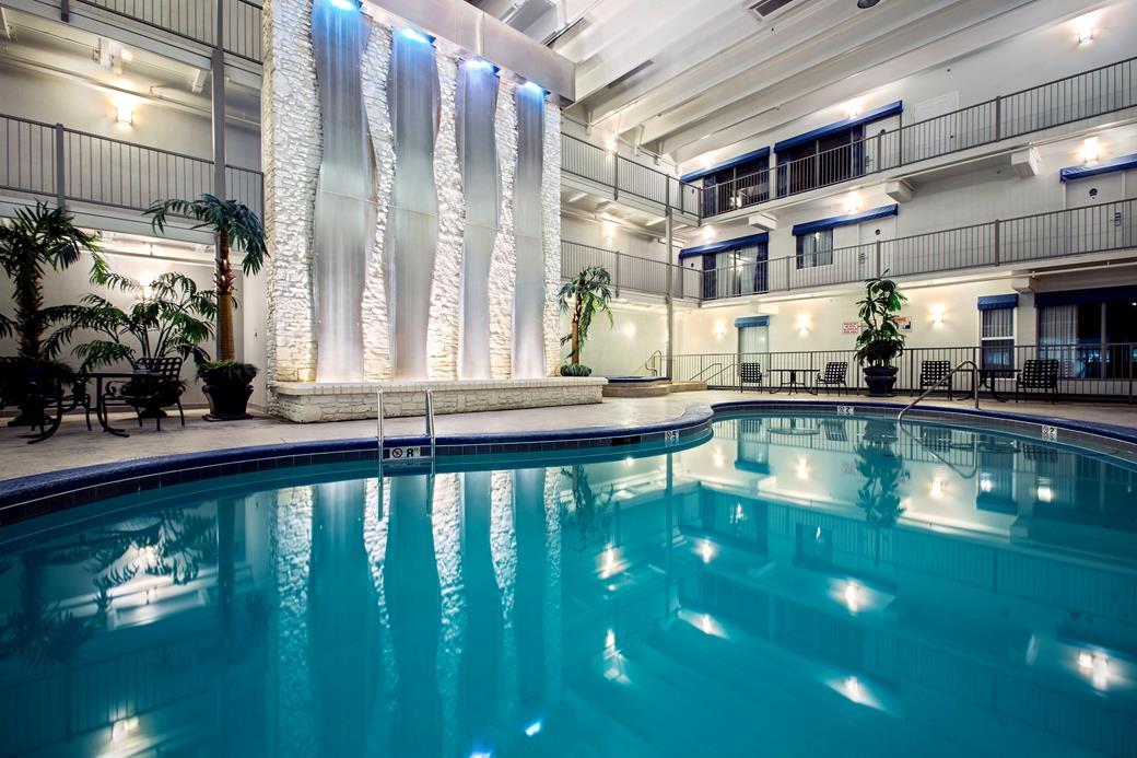 Branson La Quinta Inn Indoor Pool
