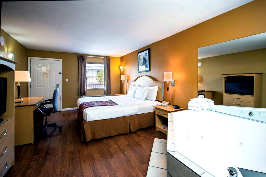 Quality Inn West 76 Near Dolly Parton S Stampede In