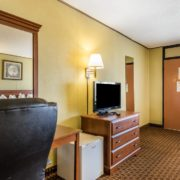Room Features & Amenities