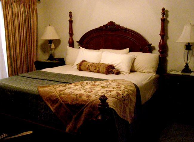 4 Bedroom Condos