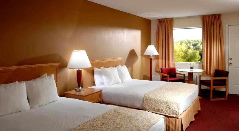 Whispering Hills Inn Branson Promo Package