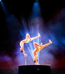 Amazing Acrobats of Shanghai Show & Hotel Packages