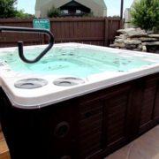 eagles-nest-resort-hot-tub
