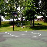 holiday-hills-resort-basketball-court