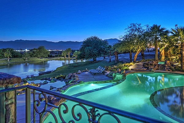 Incredible Pool & Mountain Views