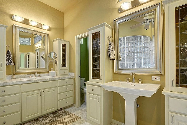 Lake Travis House Bathroom