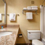 Clean & Modern Hotel Bathrooms!