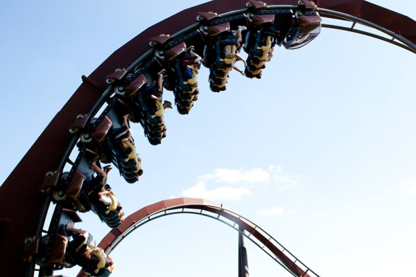 Silver Dollar City is Branson's popular theme park visited by millions each year!  Roller coasters, rides, shows, food, shopping, and more can be found at this 1800's-styled amusement park.