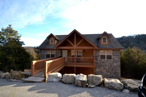 Cabins at Stonebridge Resort and the Cabins at Grand Mountain are very popular choices among Branson visitors.