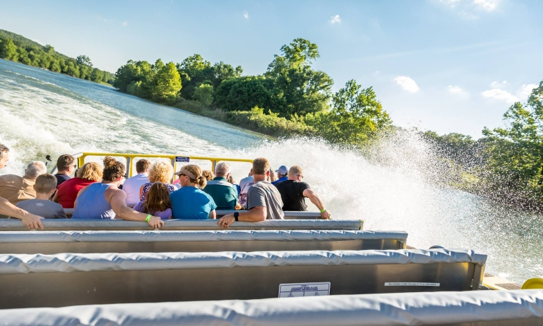 Branson's new Jet Boat rides give guests an amazing and thrilling sightseeing cruise of Lake Taneycomo!