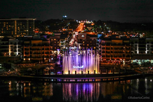 Branson Landing offers free fountains shows throughout the year.