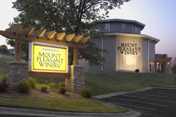One of Branson's newest wineries, Mount Pleasant Winery offers tours and tastings of their winery and wines.