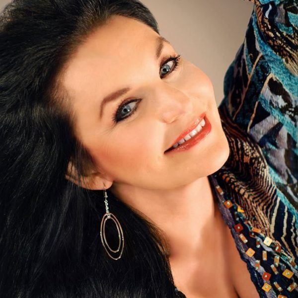 Country Star Crystal Gayle!