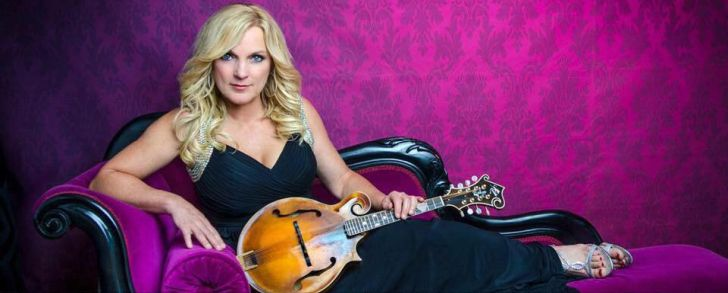 Rhonda Vincent will guest star on Larry's Country Diner on September 17, 2018 in Branson, Missouri.