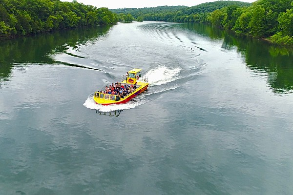 Branson Jet Boats offer visitors a beautiful (and thrilling) excursion of Lake Taneycomo.