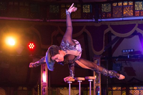 CirqUnique features a remarkable cast of performers that come together to put on an incredible variety show!