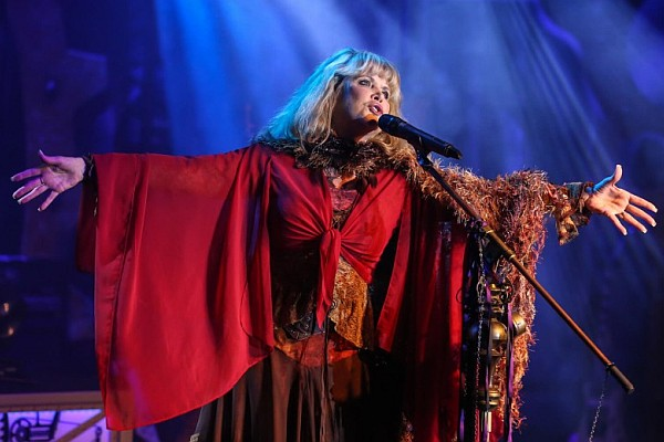 This brand-new show pays tribute to the music of Stevie Nicks and Fleetwood Mac, featuring an incredible recreation of the sounds and songs of Stevie by Julie C. Myers