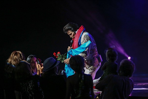 Elvis Presley's cousin Jerry puts on one of the most incredible Elvis tribute shows you've ever seen!
