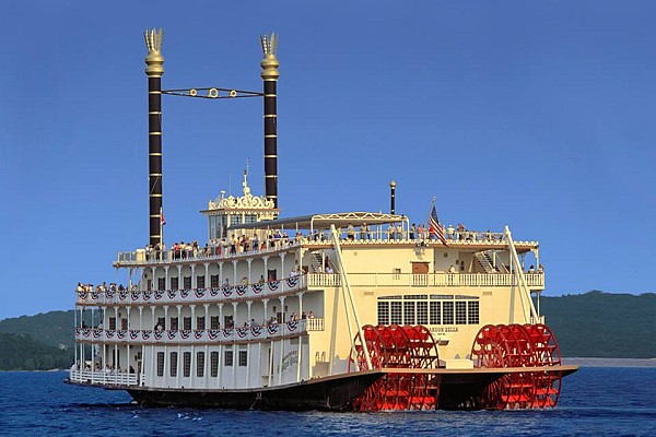 Experience the Dinner Show & Cruise on the Showboat Branson Belle as you tour the famous Table Rock Lake.