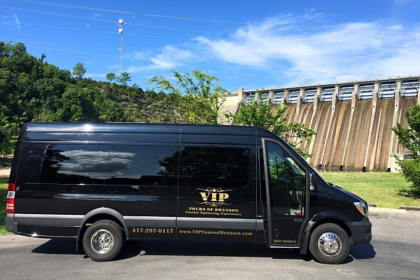 Branson's VIP Tours offer luxury sightseeing aboard a new Mercedes bus with stops at carefully-selected points of interest around town.