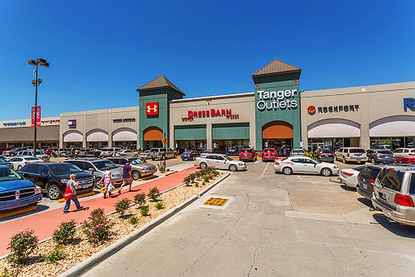 Tanger Outlet mall in Branson offers digital deals, a coupon book, and several other ways to save!