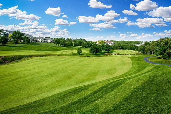 Perhaps the most popular golf course in Branson, Thousand Hills offers great rates, value, and a course for all skill levels.