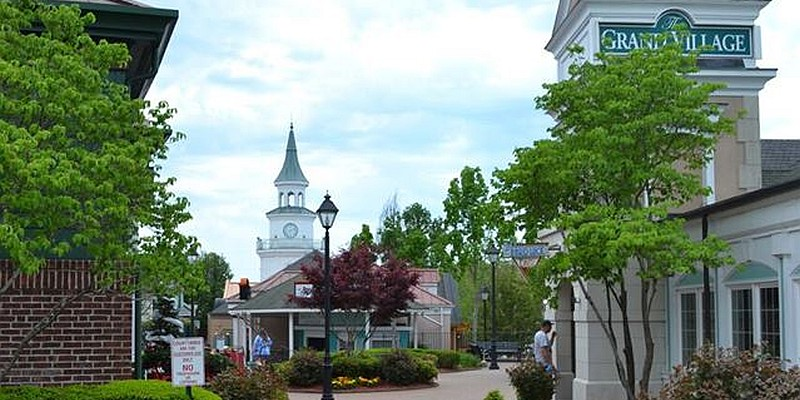 The Grand Village is home to boutique stores, upscale eateries, and luxury stores.