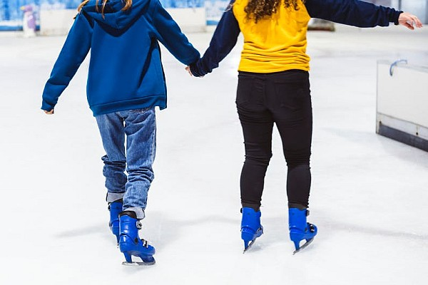 Big Cedar Lodge offers ice skating, open from mid-November through the first part of January!