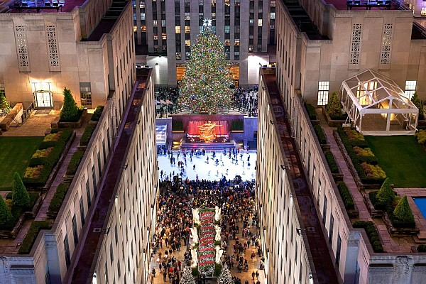 New York City's Rockefeller Center is a once-in-a-lifetime experience you won't want to miss at Christmas!